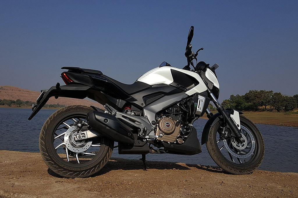 That's one sleek profile on the Bajaj Dominar 400. (Photo Courtesy: Motorscribes)