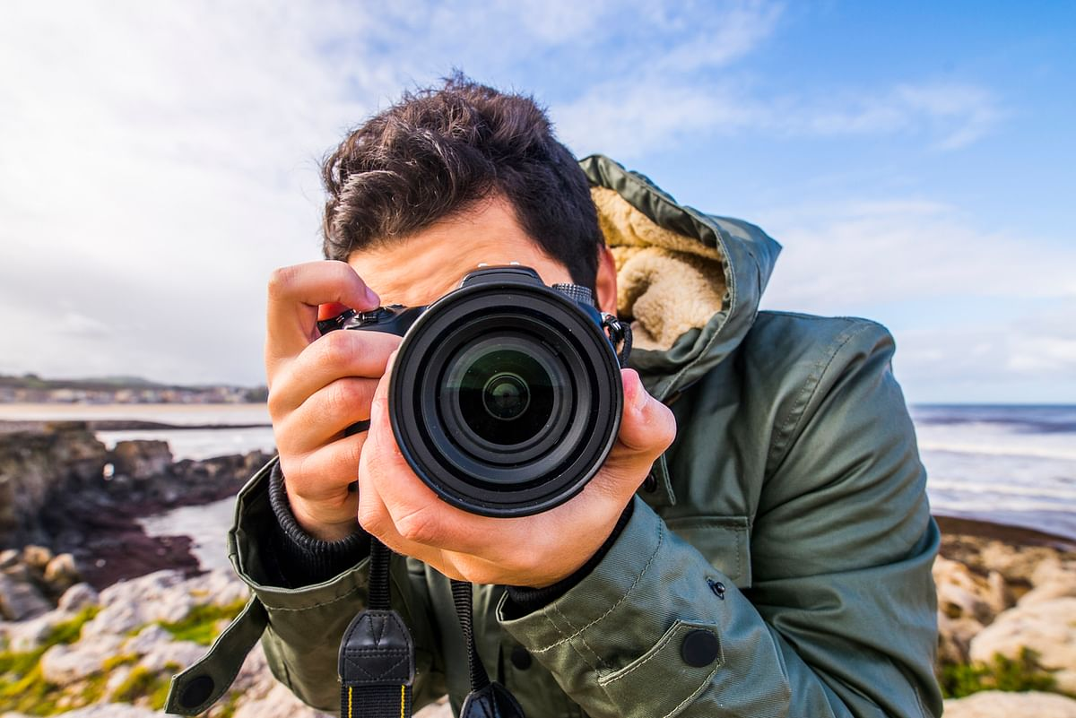Looking through the lens (Photo: iStock)