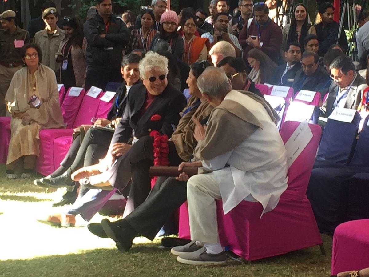 Suhel Seth, Namita Gokhale and Gulzar share a moment. (Photo: Urmi Bhattacheryya/The Quint)