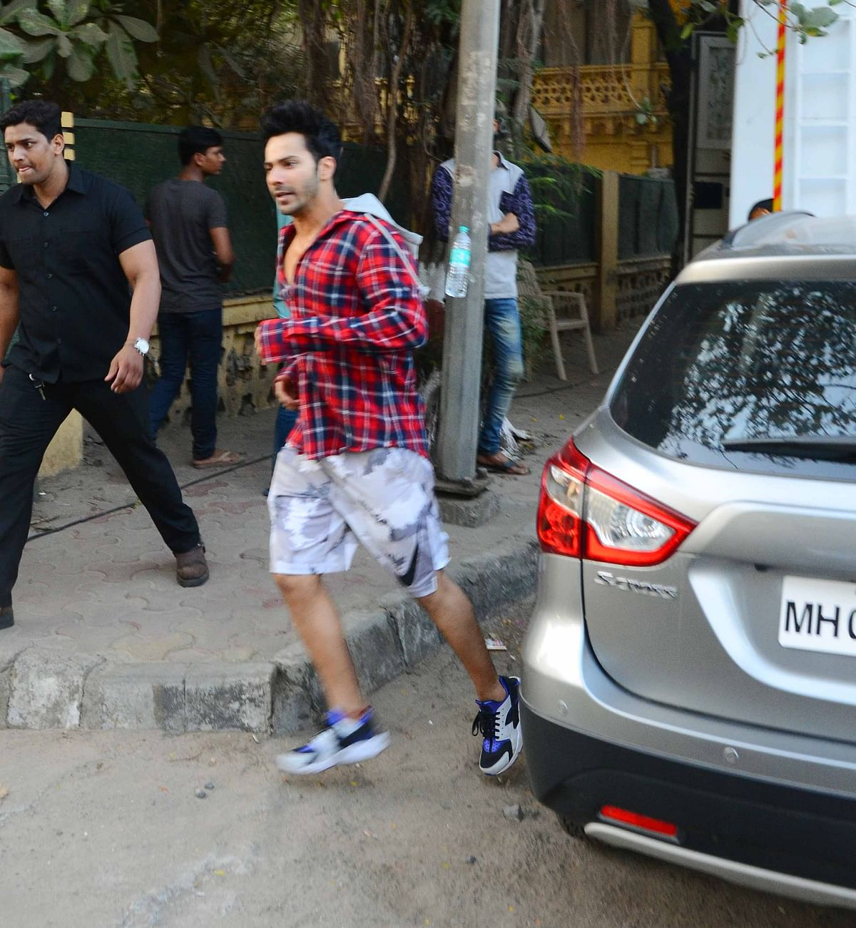 Varun makes a dash from his car to the location. (Photo: Yogen Shah)