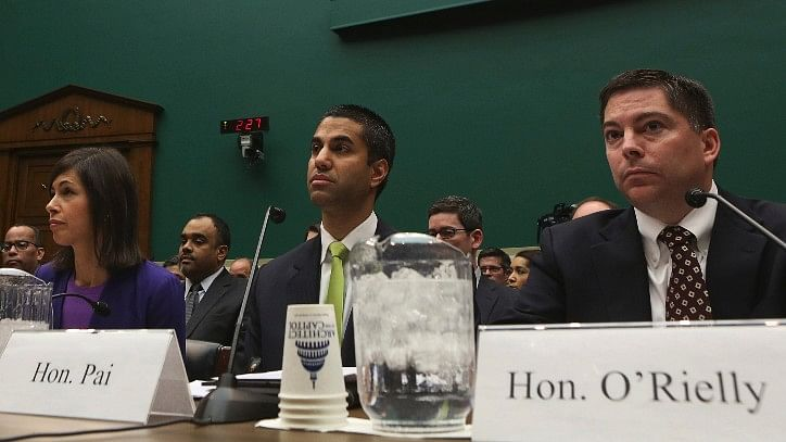 US Federal Commission Votes to Repeal Net Neutrality Rules