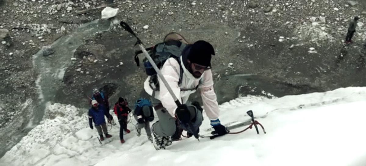 Arjun Rampal climbs a glacial wall. (Photo courtesy: Eros Now)