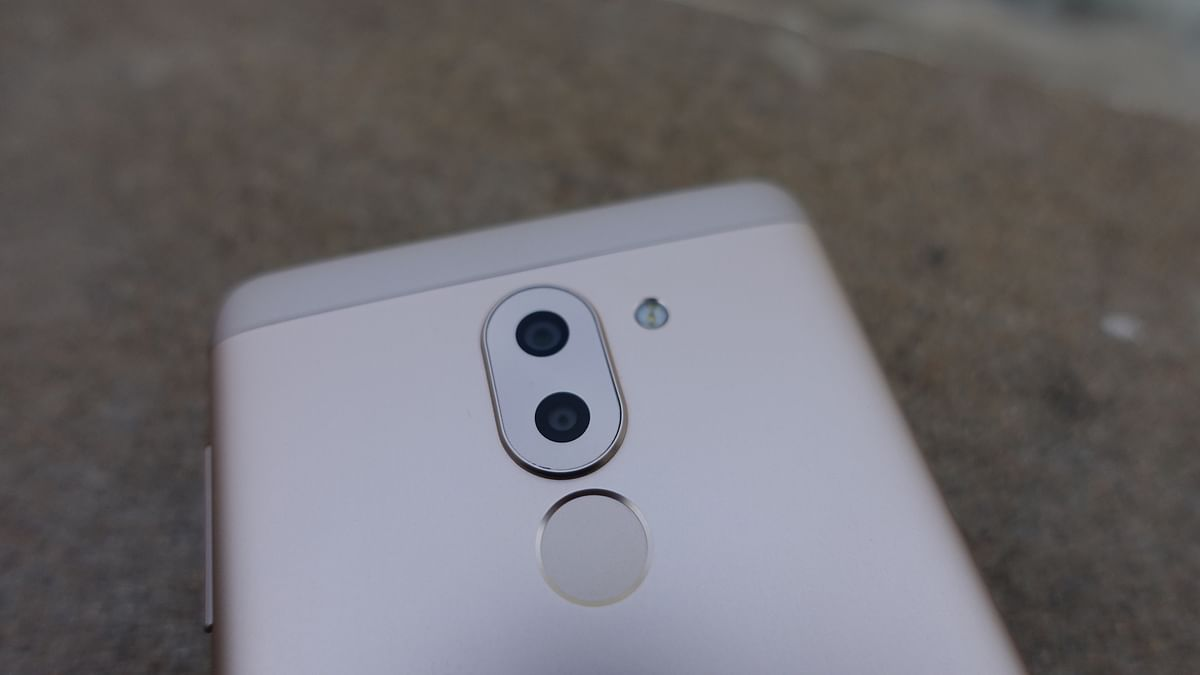 Dual camera set-up is now available for users on the budget. (Photo: <b>The Quint</b>/@2shar)