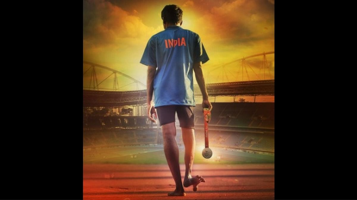 SRK Unveils Poster of Aishwaryaa Dhanush's Film About Paralympian