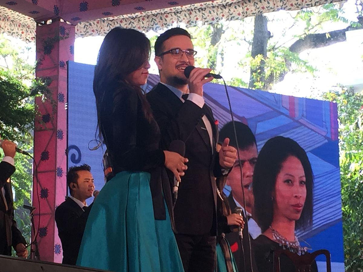 Shillong Church Choir performs as the inauguration. (Photo: Urmi Bhattacheryya/The Quint)