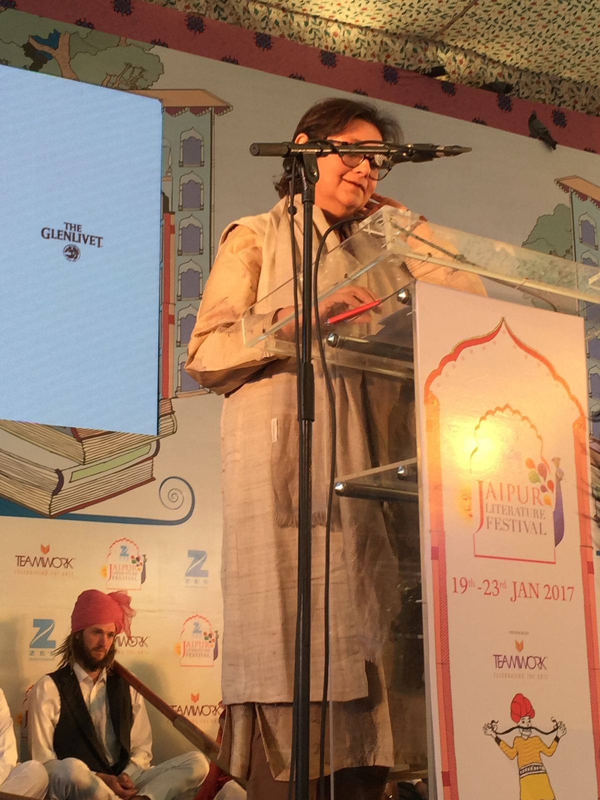 Namita Gokhale delivering her keynote address. (Photo: Urmi Bhattacheryya/The Quint)