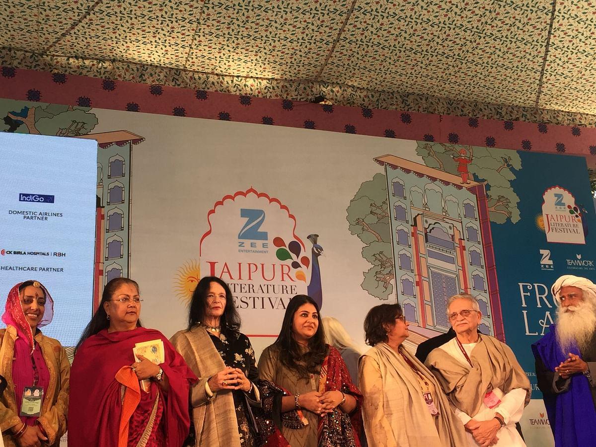 Jyotika Kumari Diggi, Vasundhara Raje, Ann Waldman, Namita Gokhale and Gulzar share the stage. (Photo: Urmi Bhattacheryya/The Quint)