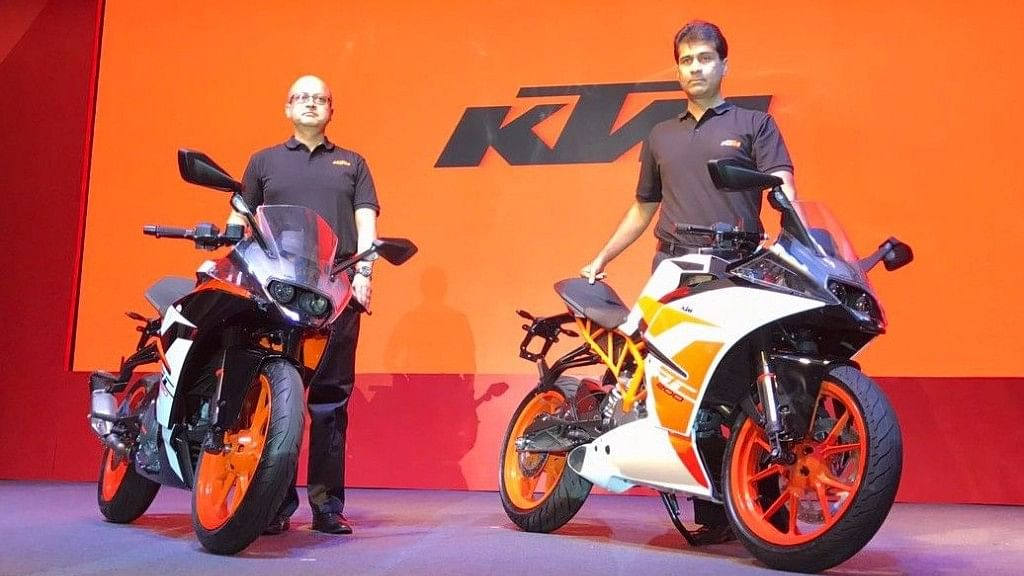 "KTM's 2017 range of RC 200 and 390 on display. (Photo Courtesy: <a href=""https://www.bikedekho.com/news/2017-ktm-rc-390-and-rc-200-launched-in-india"">BikeDekho</a>)"