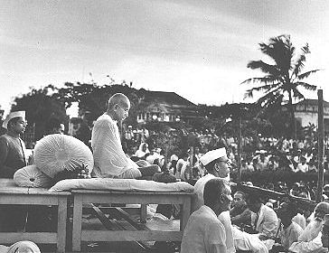 "Gandhiji at a prayer meet. (Photo Courtesy: <a href=""https://commons.wikimedia.org/wiki/File:Gandhi_prayer_meeting_1946.jpg"">Wikimedia</a>)"