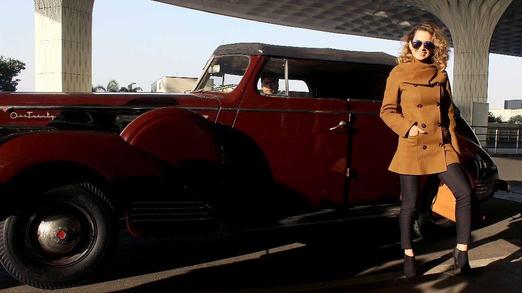 Kangana Ranaut arrives in style. (Photo: Yogen Shah)