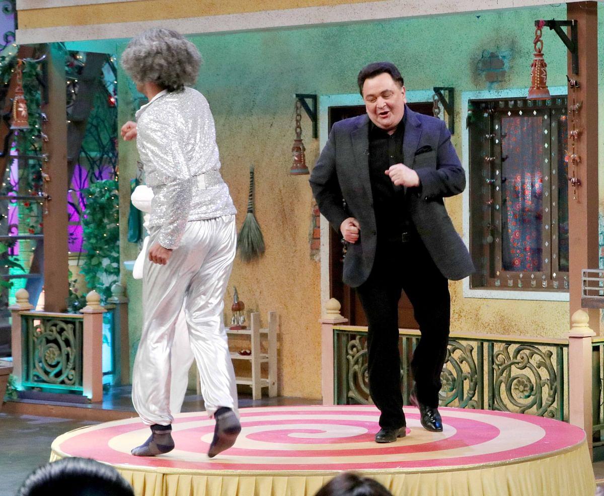 Rishi Kapoor's retro dance style recreated on the sets of <i>The Kapil Sharma Show</i>. (Photo: Yogen Shah)