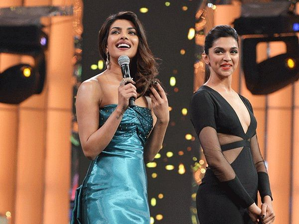 All smiles (Photo courtesy: Bollywood_Twit)