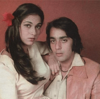 """Tina Munim had a rocky relationship with Sanjay Dutt. (Photo courtesy: <a href=""""https://twitter.com/search?f=images&amp;q=%20tina%20%20munim%20sanjay%20dutt&amp;src=typd"""">Twitter/ itsmoviereview</a>)"""