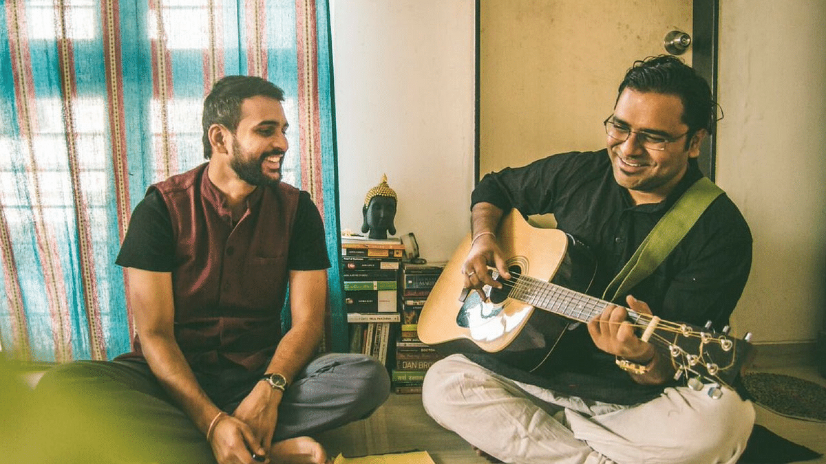 Beyond Borders: This Duo Performs Urdu Poetry and It's Super Cool!