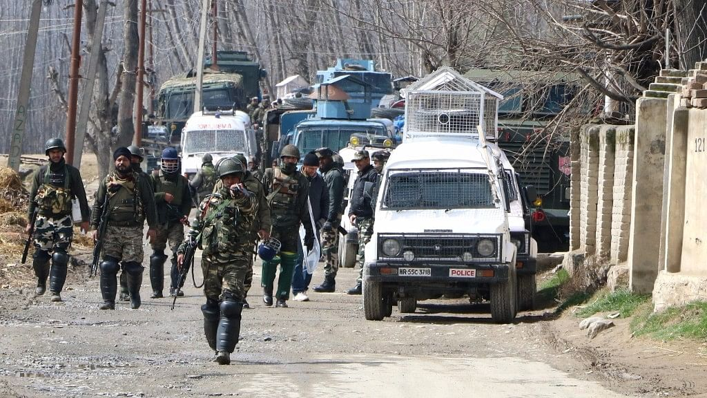 Security Forces Deny Pak Journo's Claims of Clash With JK Police