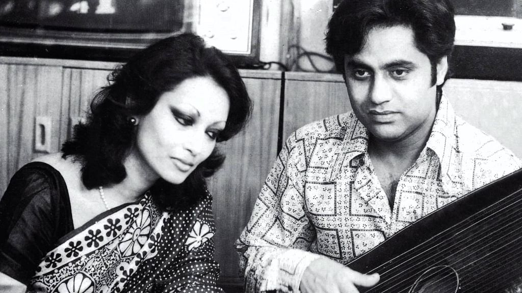 Chitra Singh with late husband Jagjit Singh during a performance.