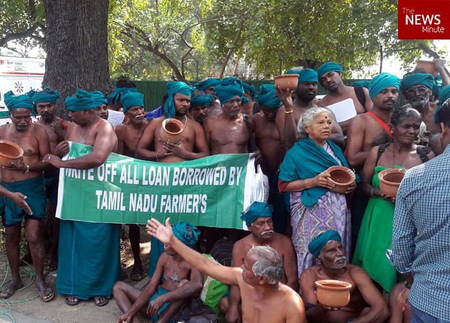 Farmers demanding the loans against them be removed (Photo: <i>The News Minute</i>)