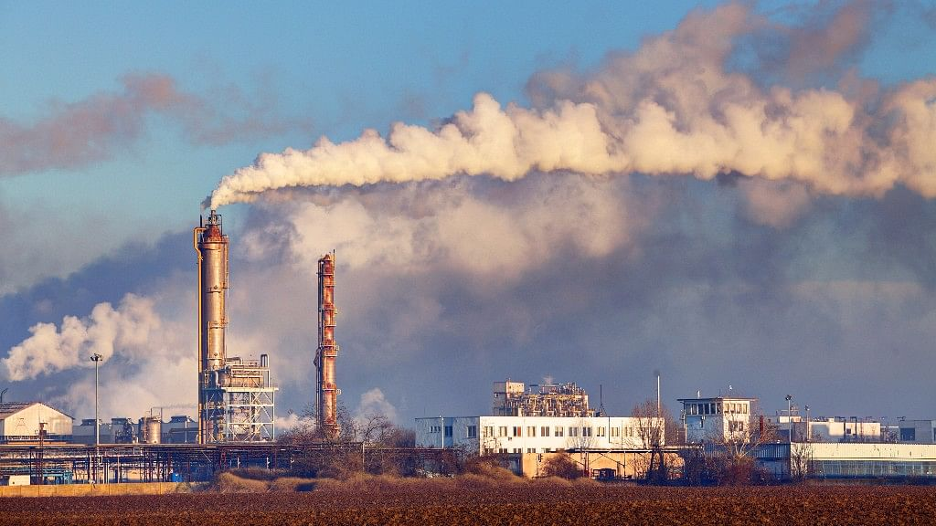 High Air Pollution Linked to Psychotic Experiences in Teenagers