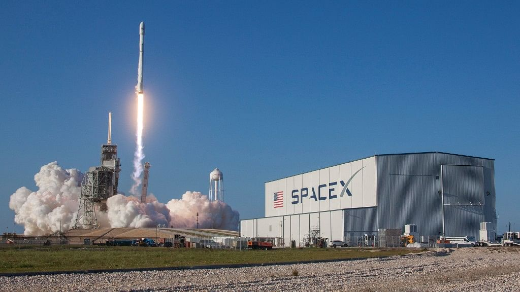 SpaceX Successfully Test Its 'Crew Dragon' Emergency Abort System