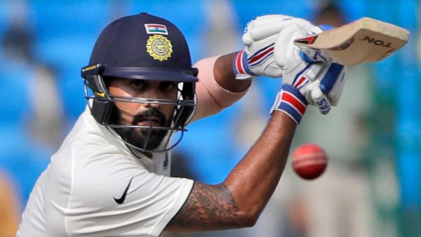 Out of favour India batsman Murali Vijay smashed a superb ton (117) to power Tamil Nadu to its fifth straight win in the Vijay Hazare Trophy.