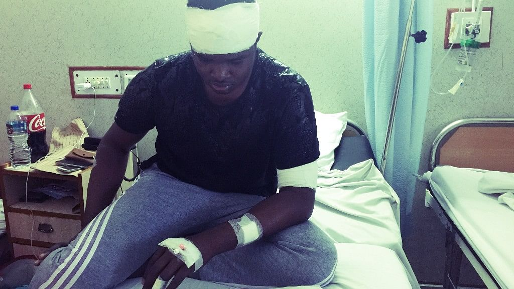 Nigerian brothers Endurance and Precious Amalawa were brutally attacked by a mob at Ansal Plaza Mall on Monday. (Photo: <b>The Quint</b>)