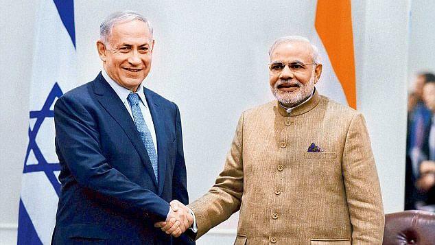 Israeli Prime Minister Benjamin Netanyahu (left) and Indian PM Narendra Modi.