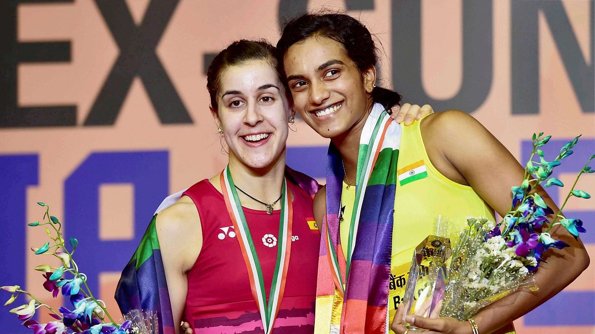 PV Sindhu and Carolina Marin after the India Open Super Series Final in April 2017.
