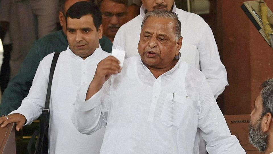 Samajwadi Party Chief Mulayam Singh Yadav has been given time till the end of the month to pay the bills. (Photo: PTI)