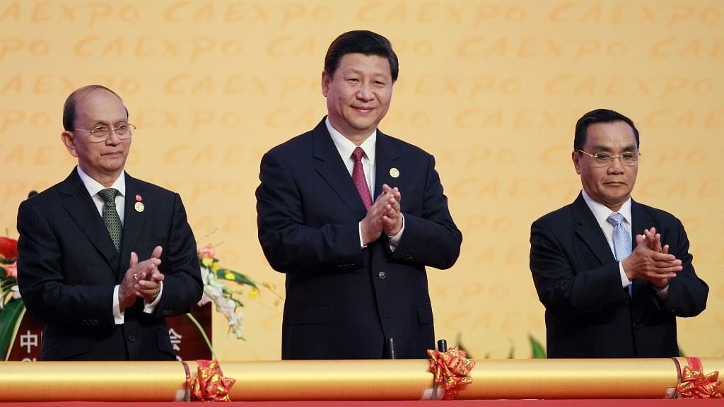 Chinese President Xi Jinping (centre).