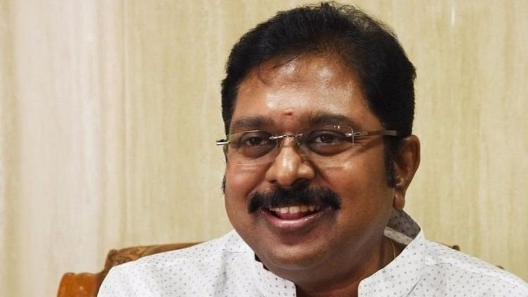 I-T Department Seizes Rs 1.48 Cr From Dhinakaran's AMMK in Theni