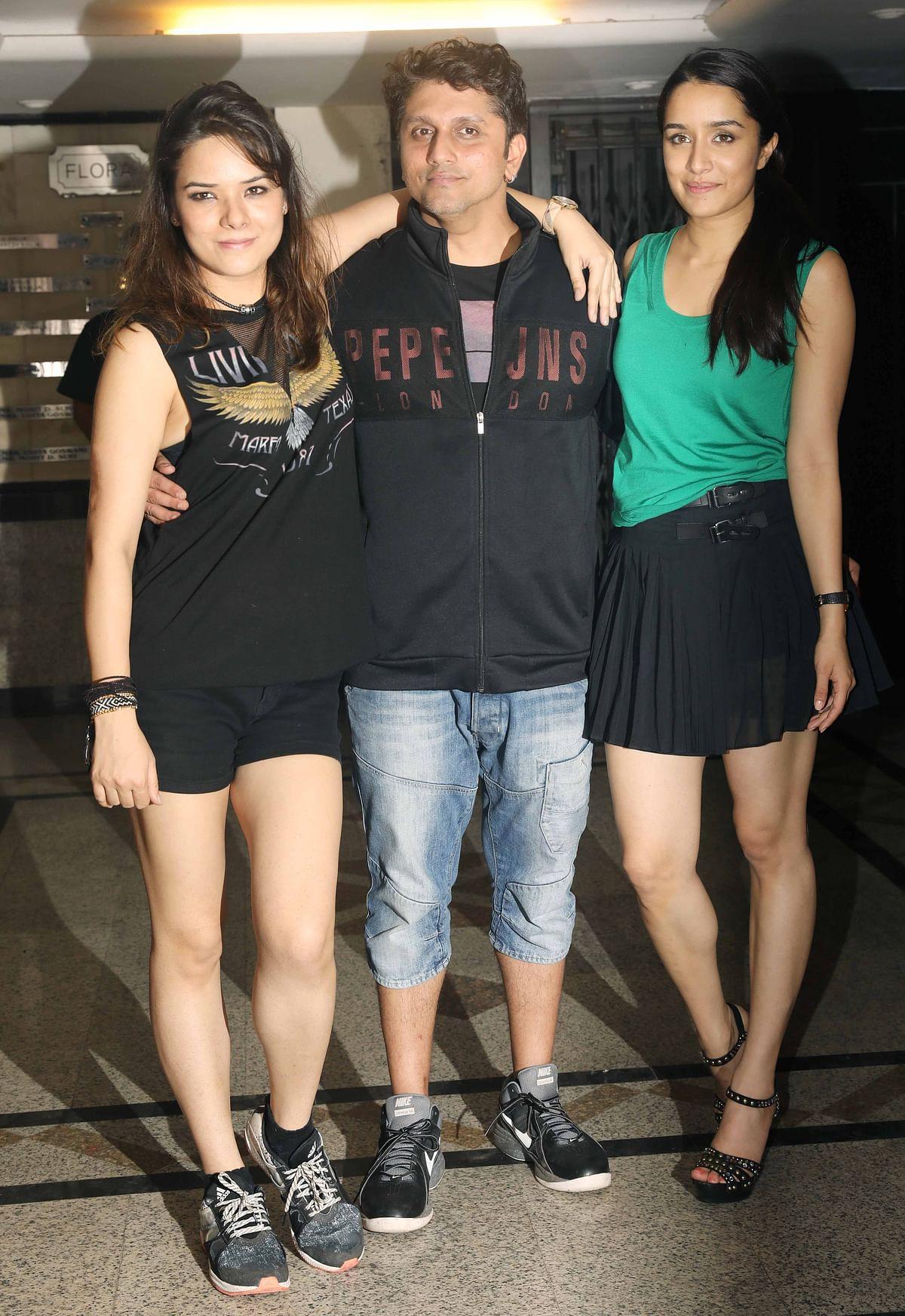 Udita, Mohit Suri and Shraddha pose for the cameras. (Photo: Yogen Shah)