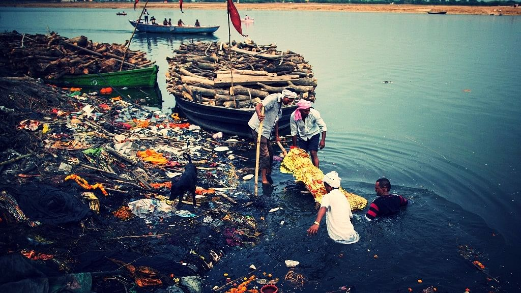 Rs 2,500 Cr of 'Namami Gange' Funds Remains Unused: CAG Report
