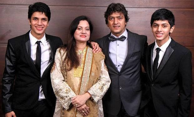 """Vijayta Pandit with late husband Aadesh Shrivastava and their sons. (Photo courtesy: <a href=""""https://www.facebook.com/film.india/"""">Facebook/ film.india</a>)"""