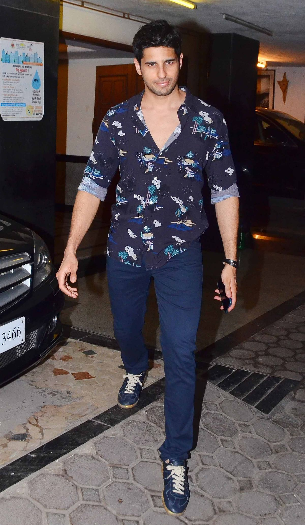 Sidharth Malhotra walks in for the party. (Photo: Yogen Shah)