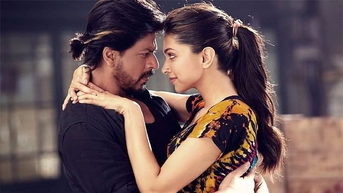 Deepika reportedly rejected a film with SRK due to her prior commitments to <i>Padmavati</i>. (Photo courtesy: Twitter/TarekhPeTarekh)