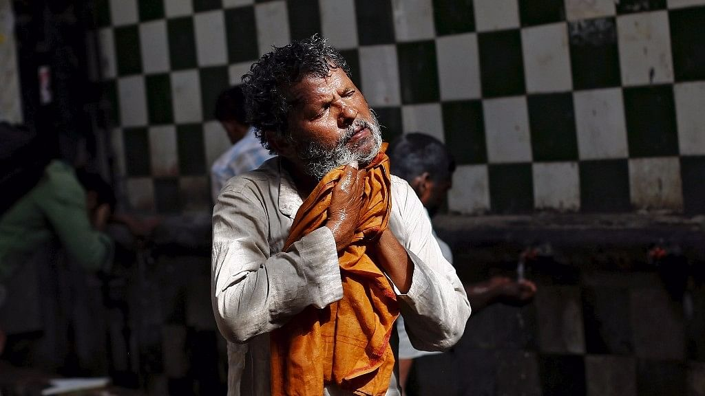 While temperatures will be on a slight rise in Delhi, according to the Indian Meteorological Department, they won't touch 40 degree Celsius till 17 April. (Photo: Reuters)