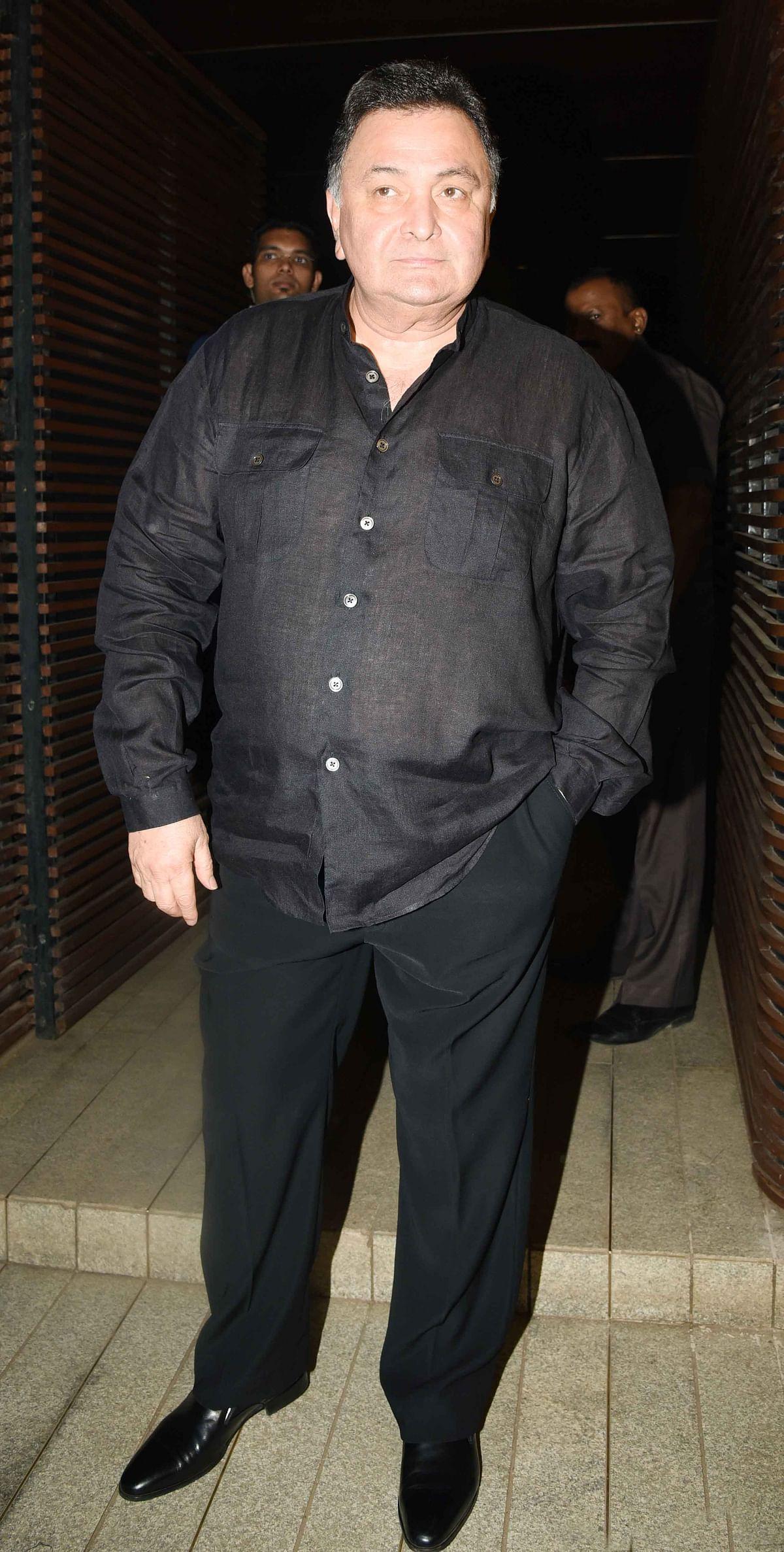 Rishi Kapoor looks dapper in black. (Photo: Yogen Shah)