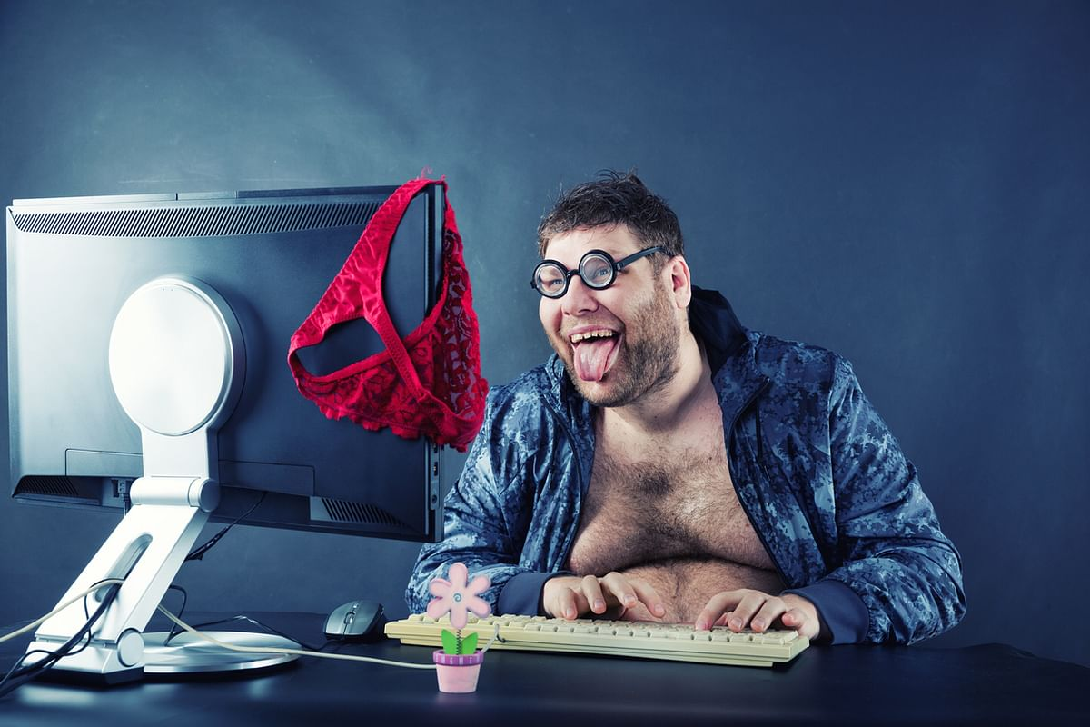 """""""He continues to have sex chats till late in the night with random women."""" (Photo: iStock)"""