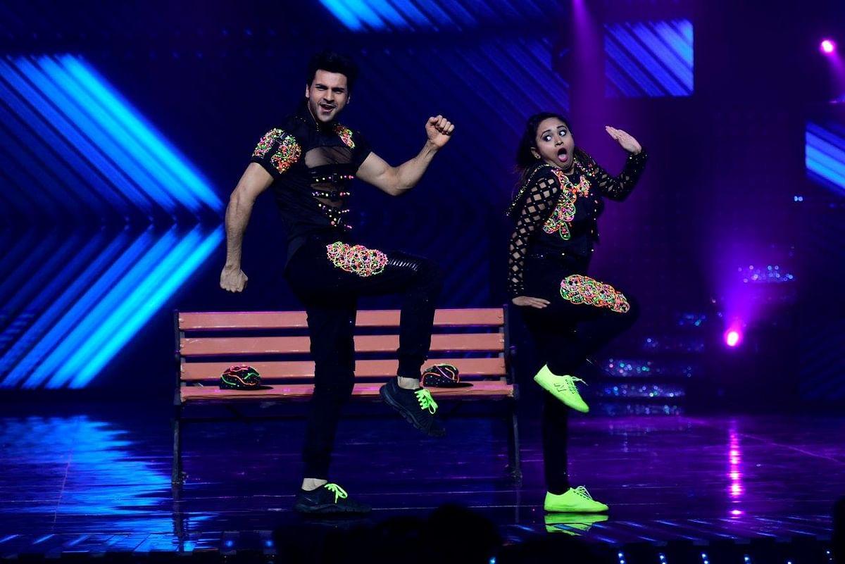 Vivek performs with his choreographer. (Photo courtesy: Star Plus)