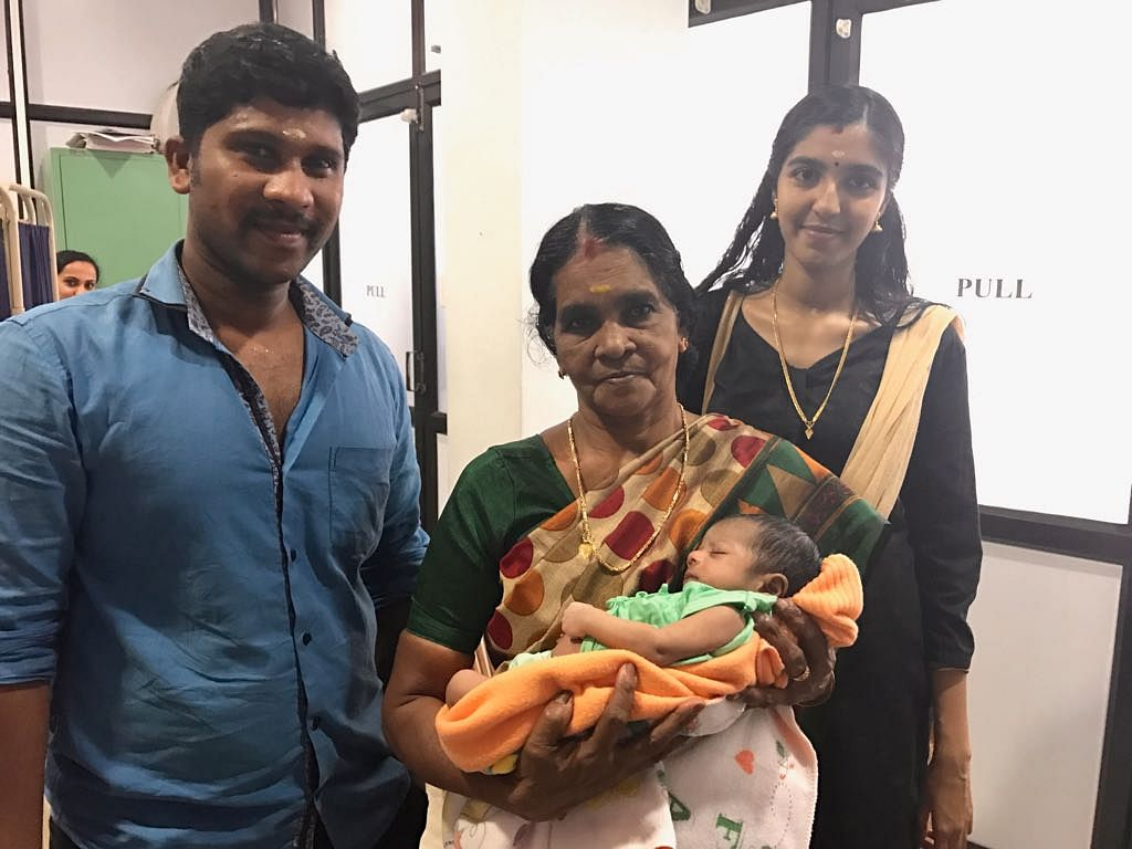 Aswathy's baby had barely opened her eyes to the world – when she was detected with heart disorder. On her second day, she was operated on for an arterial switch. This tiny life is now 23 days old – the first child of a whitewashing labourer in Trichur. (Photo: <b>The Quint</b>)