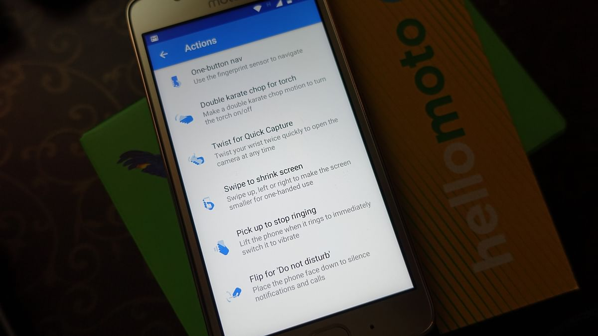 Software optimisations on the Moto G5. (Photo: <b>The Quint</b>/@2shar)