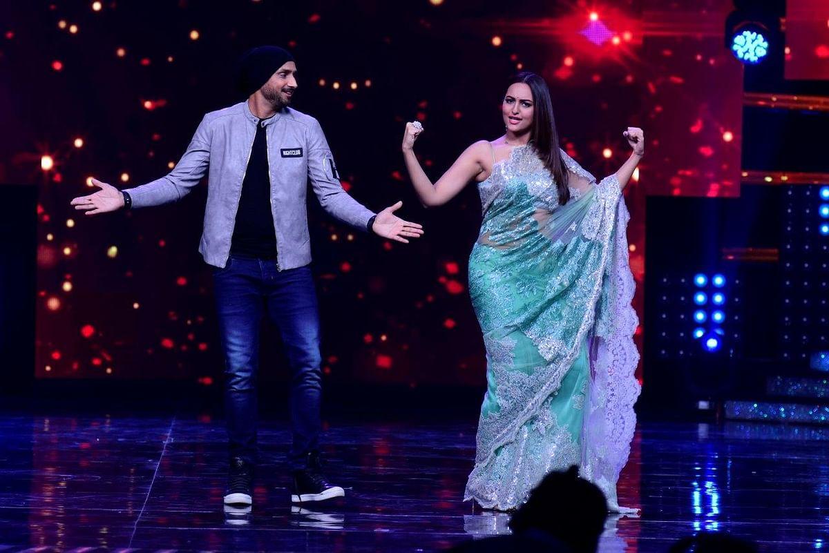 Sonakshi makes Bhajji dance. (Photo courtesy: Star Plus)