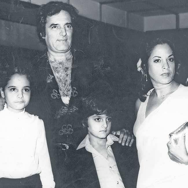 "Feroz Khan with wife Sundari and children Laila and Fardeen. (Photo courtesy: <a href=""https://www.facebook.com/CelebrityBorn/"">Facebook/ celebrityborn</a>)"