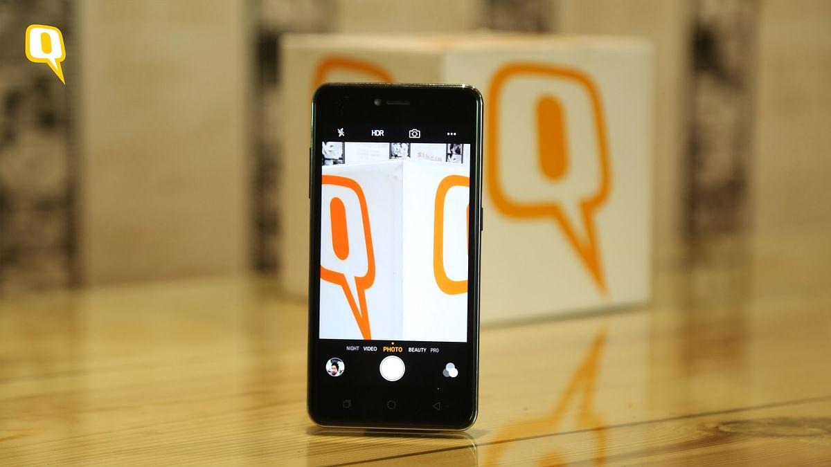Review: Coolpad Note 5 Lite (Photo: Shiv Kumar Maurya/<b>The Quint</b>)