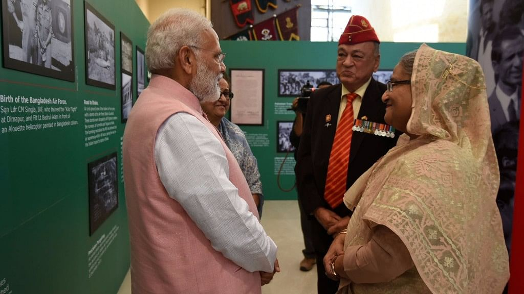 PM Narendra Modi with Bangladesh Prime Minister Sheikh Hasina at a function to salute Indian Soldiers who fought in 1971 war, in New Delhi on 8 April 2017. (Photo: IANS)
