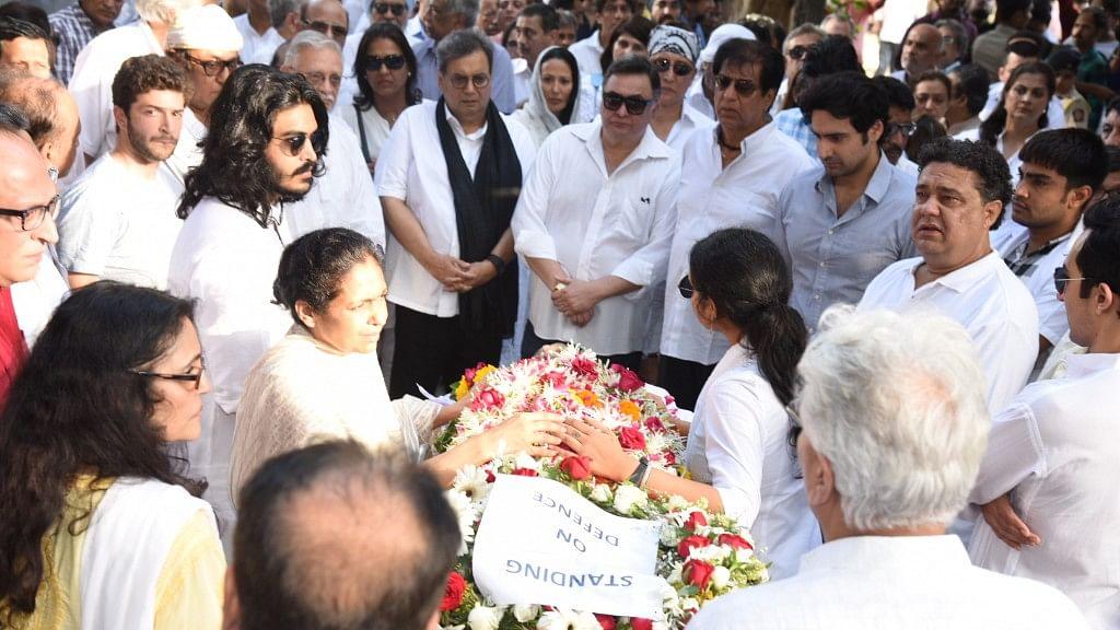 Rishi Kapoor with Subhash Ghai at Vinod Khanna's funeral. (Photo: Yogen Shah)