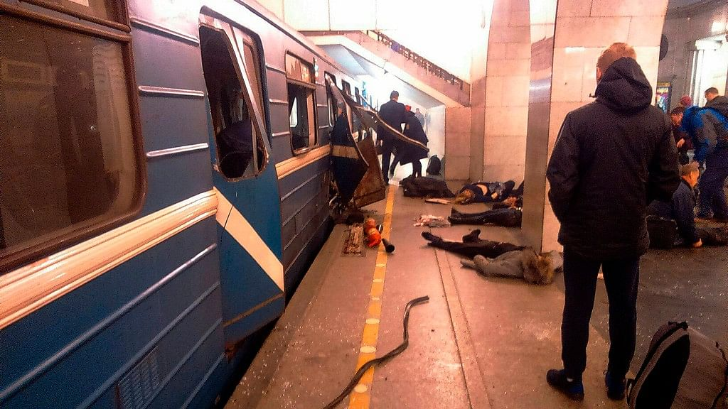 Russia IDs Metro Bomber as St Petersburg Mourns 14 Dead