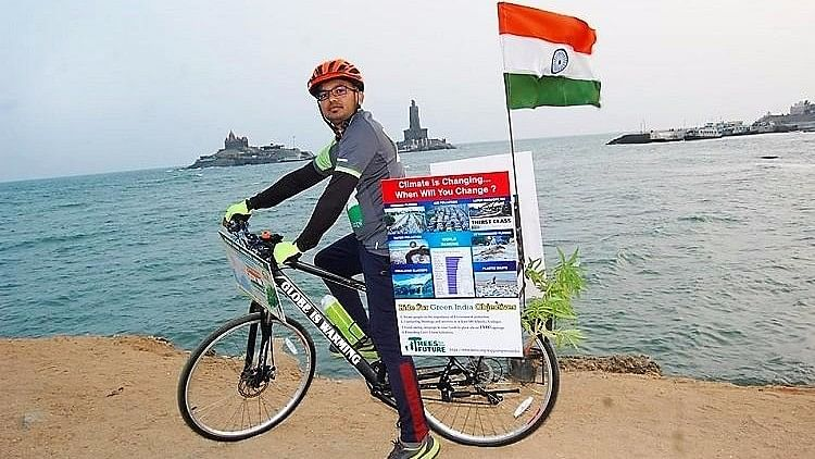 The Hyderabad resident, who is a native of Telangana, started off from Kanyakumari on 6 January, and is almost entirely self-funding the trip. (Photo Courtesy: The News Minute)
