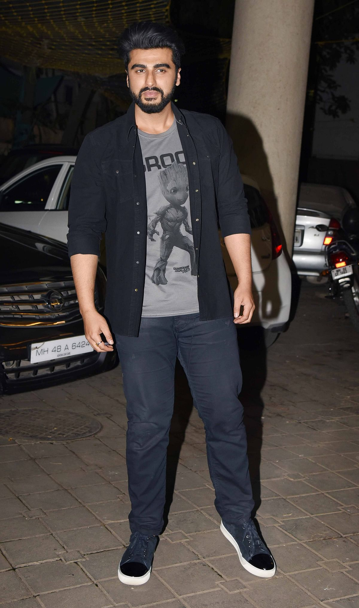 Arjun Kapoor goes for a cool and casual look. (Photo: Yogen Shah)