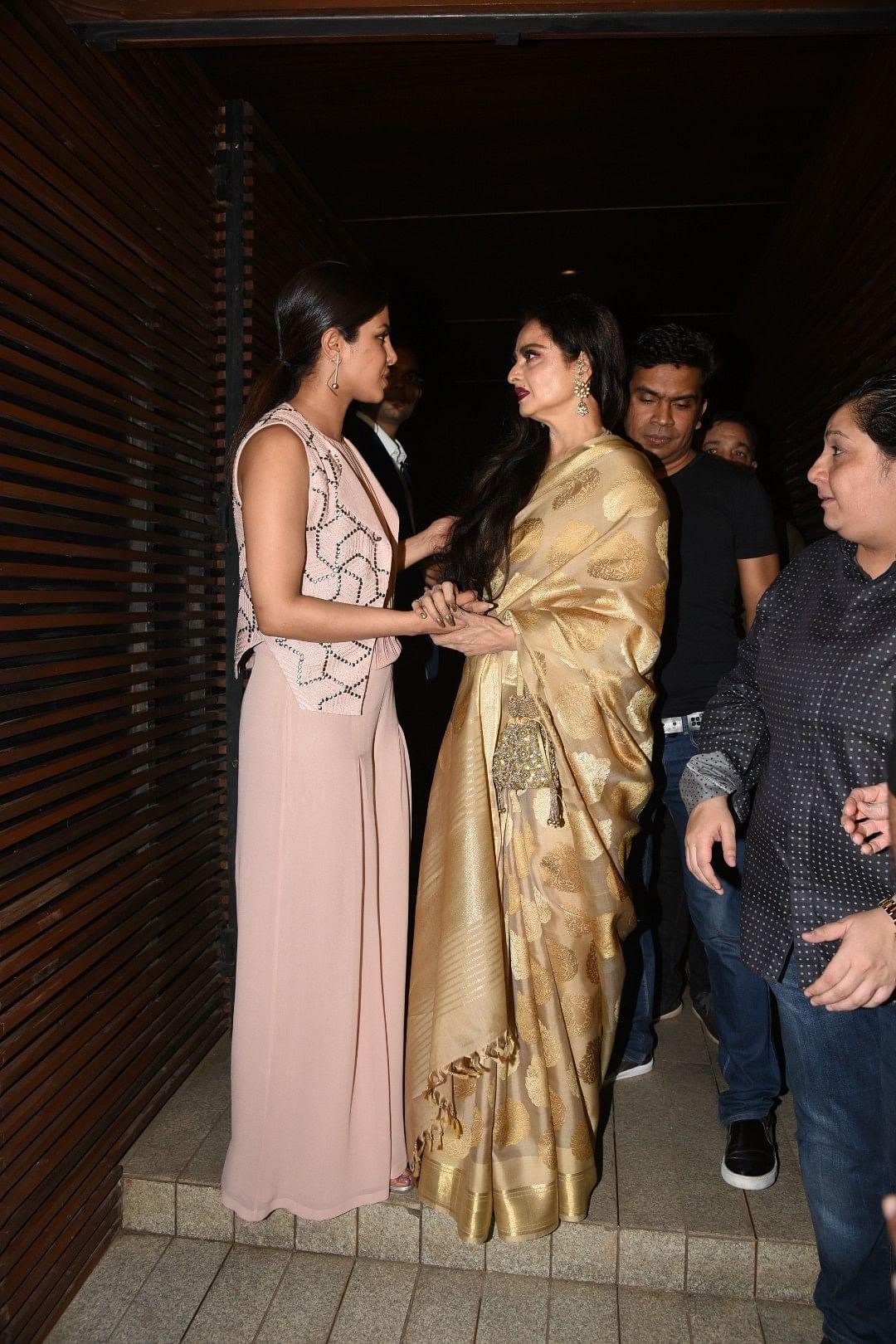 Priyanka and Rekha wrapped up in conversation. (Photo: Yogen Shah)